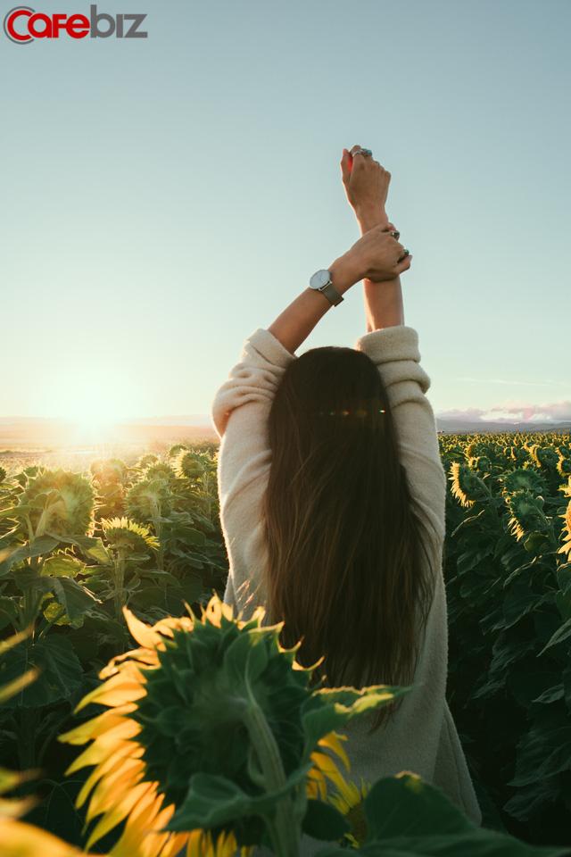 Phụ nữ muốn thành đạt, hạnh phúc hãy vận dụng uyển chuyển 6 chữ: Hiểu rõ giá trị bản thân - Ảnh 1.
