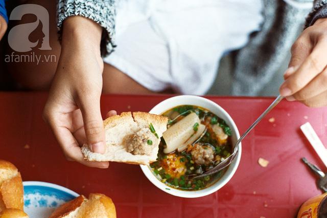 """Bánh mì Việt Nam, hành trình từ ổ bánh """"thượng lưu"""" cho đến món ăn đường phố làm kinh ngạc cả thế giới - Ảnh 15."""